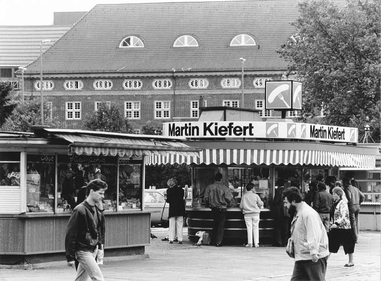 Bremen Bahnhof Martin-Kiefert Imbisspavillon Bahnhofsvorplatz